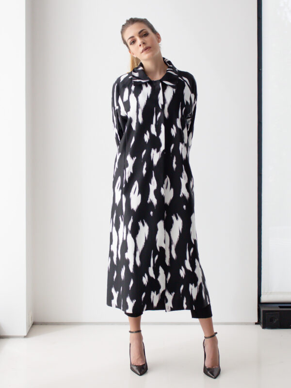 Sotris collection | Black and white coat
